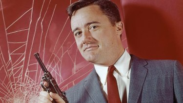 """Stephen Fry has hailed Robert Vaughn """"one of the greatest Columbo villains and [an] utterly charming man""""."""