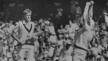 With Australia lacking a team of Davis Cup tennis stars, England sealed the Ashes in the 1986 Boxing Day Test.
