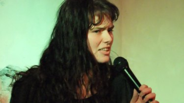 Eurydice Dixon doing stand-up.