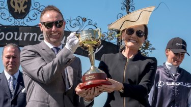 Lexus CEO Scott Thompson and VRC chairman Amanda Elliott.
