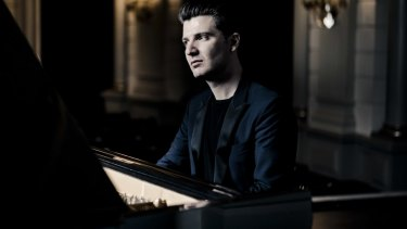 Pianist Alessio Bax shows a preference for a lightness over thunder.