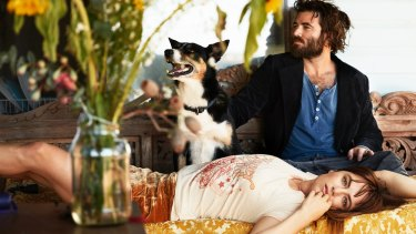 Angus and Julia Stone receive a little canine inspiration.