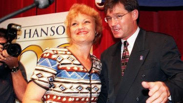 Pauline Hanson claims she's had sex with One Nation co-founder David Oldfield; he firmly denies this.