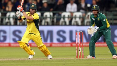 David Warner hits out in the 5th ODI.