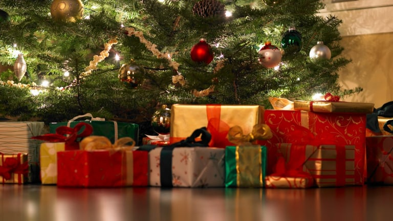 Australians plan to spend a quarter more on Christmas presents than in 2012.