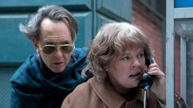 Richard E. Grant and Melissa McCarthy in Can You Ever Forgive Me?
