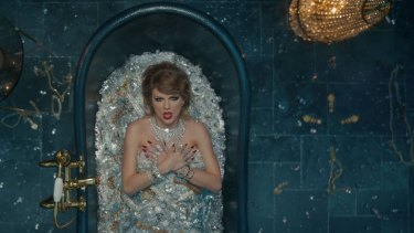 Taylor Swift's diamond-filled bathtub was worth over $US10 million.