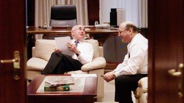 John Howard and Arthur Sinodinos plan the Coalition's 2001 election strategy.