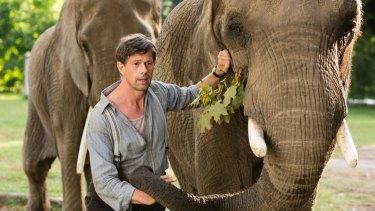 Johan Heldenbergh as the zookeeper, Jan Zabinski.