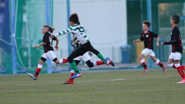 South Korean side Nah Singok downed the Belwest Foxes 6-0 in the tournament opener.