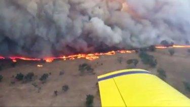 The Sir Ivan bushfire burns near Dunedoo.