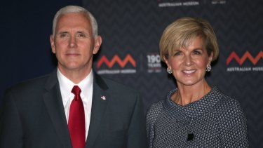 US Vice-President Mike Pence poses for a photograph next to Foreign Minister Julie Bishop during a visit to the Australian Museum.