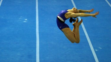 Lisa Skinner trains at the AIS in Canberra in July 2004, in preparation for the Athens Olympics.