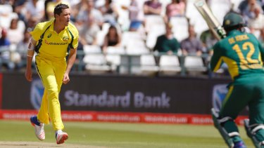 Chris Tremain bowls in the 5th ODI.