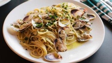 Spaghettone verace (pasta with pipis).