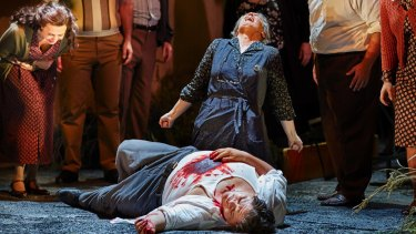 Dragana Radakovic as Santuzza, Dominica Matthews as Mamma Lucia and Diego Torre as Turridu in <i>Cavalleria Rusticana</i>.