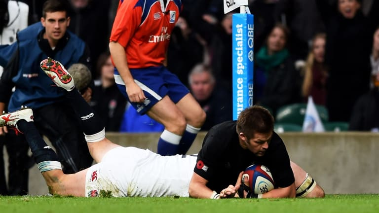 Richie McCaw gives the All Blacks the lead for the first time.