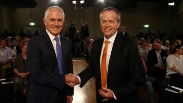 Both Prime Minister Malcolm Turnbull and Opposition Leader Bill Shorten are being viewed poorly on asylum seeker policy, according to the Isentia analysis.