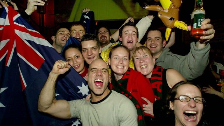 Australians at a pub in London.