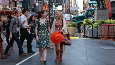 Xenia Goodwin (left) and Alicia Banit in New York City in the film.