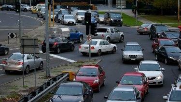 Motorists clog the intersection as traffic crawls along Kings Way.