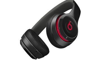Beats Solo2 wireless headphones let you cut the cable thanks to built-in Bluetooth.