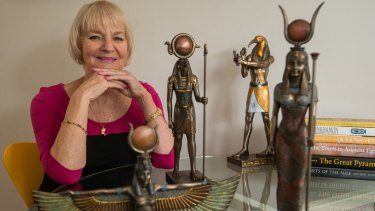 Forensic egyptologist Janet Davey has proved that fair-haired Egyptian mummies were natural blondes, contrary to popular belief.