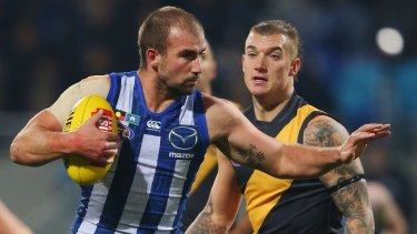 A pushover: Ben Cunnington shapes for another 'don't argue'.