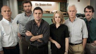 From left: Michael Keaton, Liev Schreiber, Mark Ruffalo, Rachel McAdams, John Slattery, and Brian d'Arcy James on the <i>Spotlight</i> set.