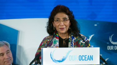 Indonesia's Fisheries Minister Susi Pudjiastuti has issued a  government decree requiring all fisheries companies to submit a detailed human rights audit.