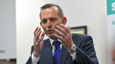 Prime Minister Tony Abbott has won praise in the United States for his hardline policies on asylum seekers.