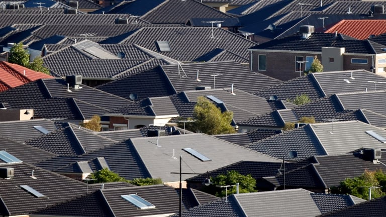 Perth's urban sprawl doesn't look like slowing any time soon, with the vast majority of new building approvals still being greenfield developments.