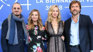 From left, US film director Darren Aronofsky, actresses Michelle Pfeiffer, Jennifer Lawrence and Spanish actor Javier Barden pose during a photocall for the movie 'Mother!'.
