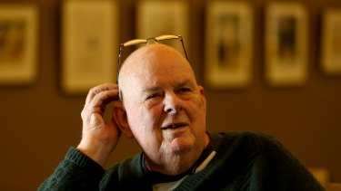 Poet Les Murray has superb, familiar works among his six in the anthology.