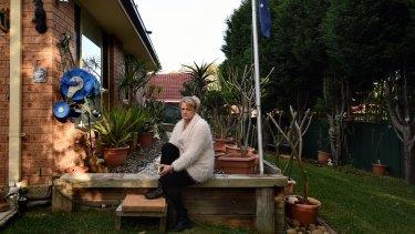 Karen Nettleton says her grandchildren are trapped in Syria and starving.