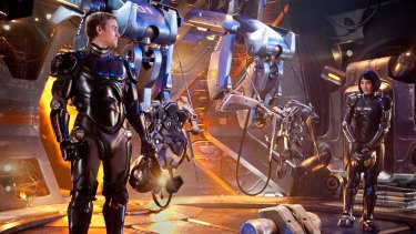 Charlie Hunnam and Rinko Kikuchi played Jaeger pilots in the first Pacific Rim.