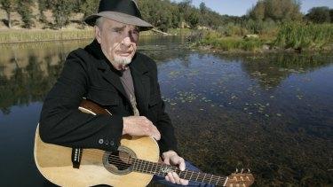 Merle Haggard poses at his ranch at Palo Cedro, California in 2007.