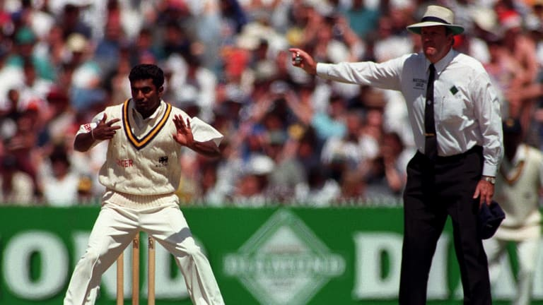 Umpire Darrell Hair gives his ruling on a delivery by Muttiah Muralitharan.