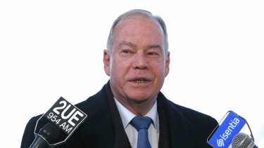 Liberal MP Russell Broadbent has implored Prime Minister Malcolm Turnbull to act on asylum seekers.