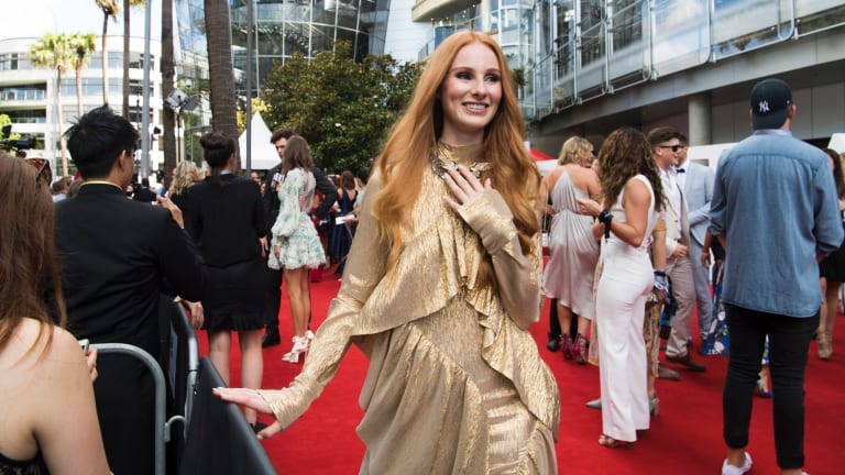 Vera Blue arrives at the  ARIAs in November 2017.