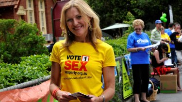 Fiona Patten campaigning in 2009.