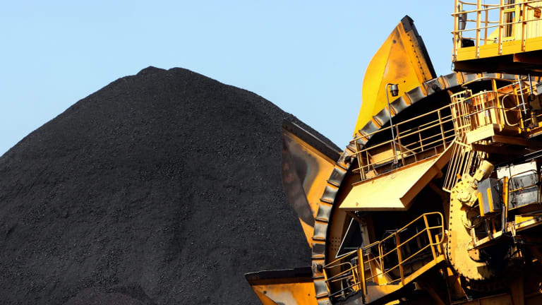 The Queensland government added an amendment to the laws that will allow the Adani mine project to avoid court challenges to its water licence.