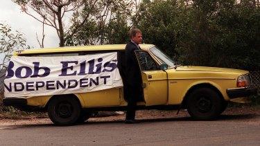 Bob Ellis on the campaign trail, 1998.