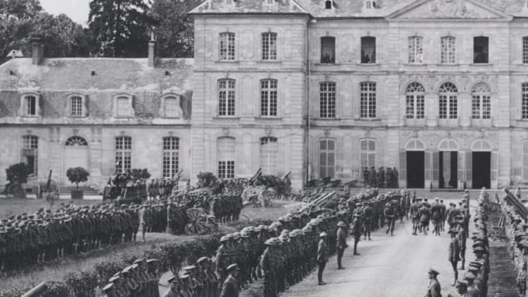The arrival of King George V at General Sir John Monash's Headquarters at Bertangles in 1918.