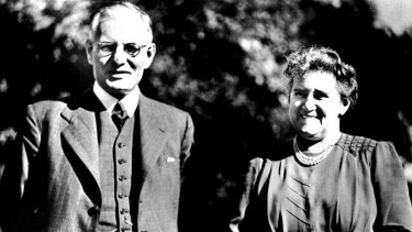 John Curtin and Elsie Curtin at the Lodge, circa 1945.
