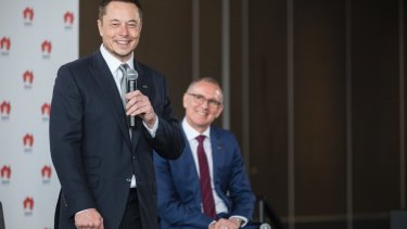 Tesla's Elon Musk and SA Premier Jay Weatherill announce the world's biggest lithium ion battery.