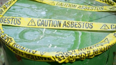 "National report says there are ""no good plans"" to deal with asbestos waste."