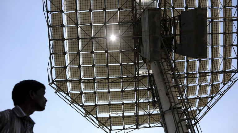 India's biggest solar power auction brings further drop in costs