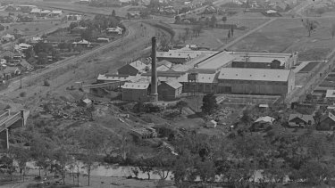 The paper mill on the Yarra River in the 1920s.