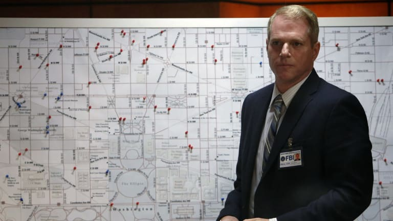 FBI agent Stan (Noah Emmerich) wins our hearts in